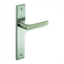 Lever handle Pino on square backplate
